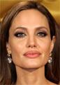 Анджелина Джоли готовится к удалению яичников
