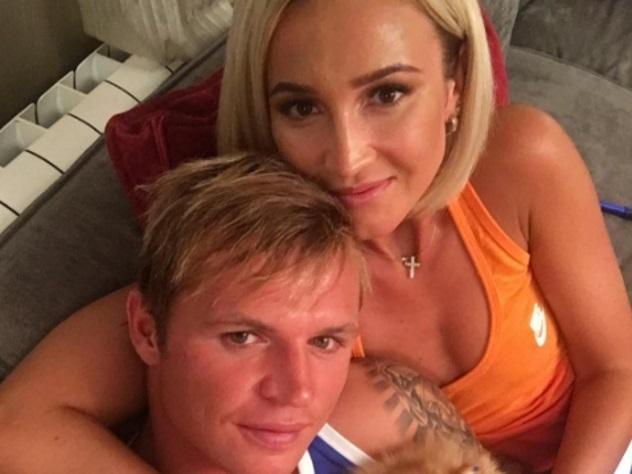 Появилось видео, как пьяная Бузова устроила шоу навечеринке футболиста «Локомотива»