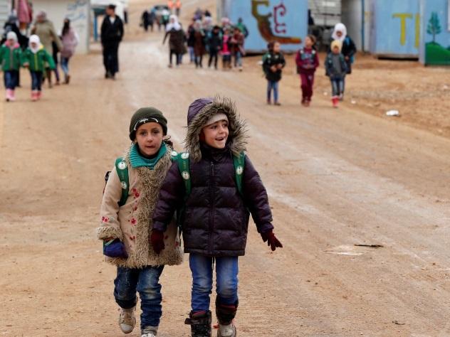 Первая группа граждан ираненых ополченцев эвакуирована изпровинции Идлиб