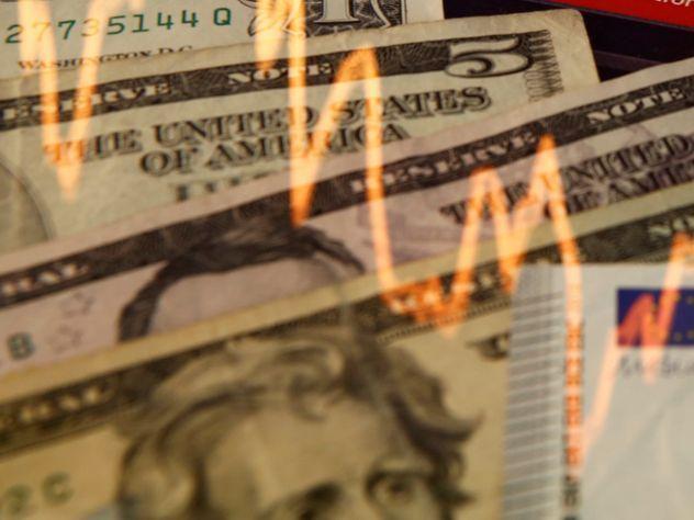 Доллар упал ниже 60 рублей впервые за полтора года