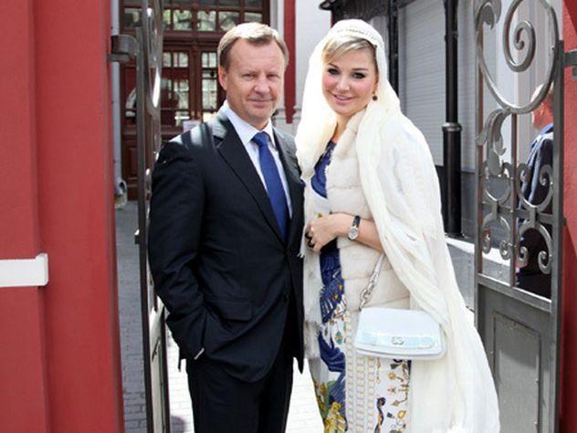 Задве недели добегства Вороненков подарил жене апартаменты за100 млн