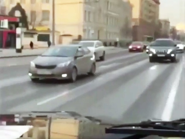 ГИБДД заинтересовалась видео сгонками наGelandewagen наНовом Арбате