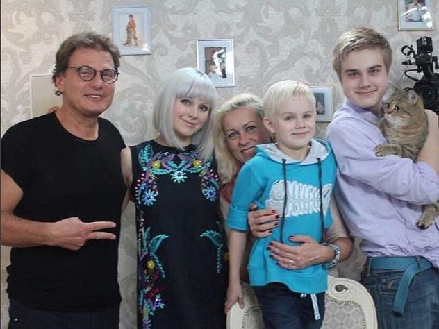 Эстрадная певица Натали в 3-й раз стала мамой