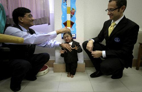 Рост паренька из Непала - всего 67 сантиметров