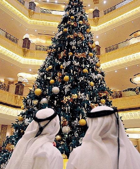 Снять номер в отеле «Emirates Palace» можно от $500 в сутки