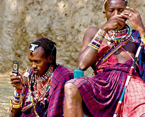 Даже представители диких африканских племён не слишком ограничивают себя в общении