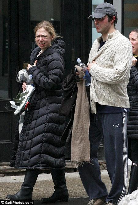 На людях Челси и Марк стараются держаться вместе, но, поговаривают, что развод не за горами