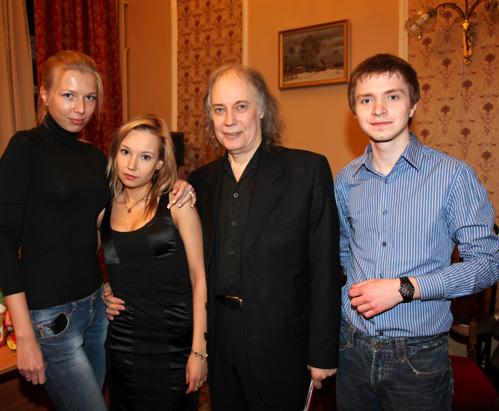 Владимир конкин фото жены детей