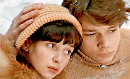 Влюблённые Роман и Катя. Знаменитый кадр из нашумевшего фильма