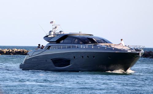 Владислав ДОРОНИН презентовал в Каннах свою новую яхту «Riva 86 Domino»