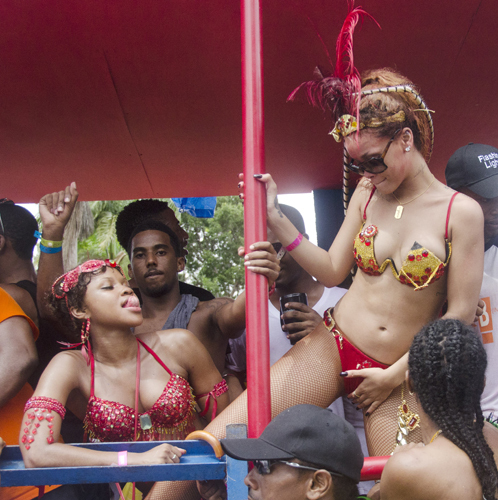 Рианна на Барбадосе. Фото: Splash/All Over Press.