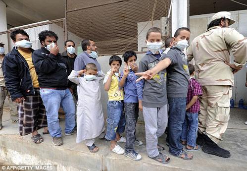 Чтобы посмотреть на мертвого КАДДАФИ, дети выстраивались в очередь