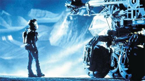 В фильме «Армагеддон» астероид взорвали изнутри с помощью бурильной машины и ядерного заряда