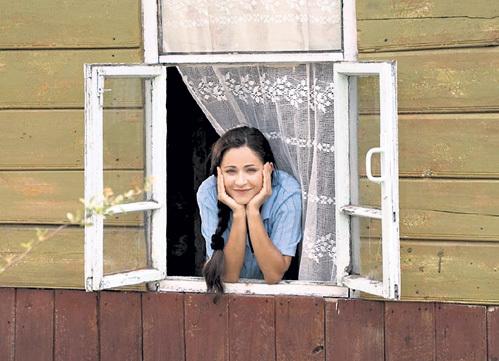 Сейчас Любовь ТИХОМИРОВА играет в кино скромных девушек и вызывает лишь умиление...