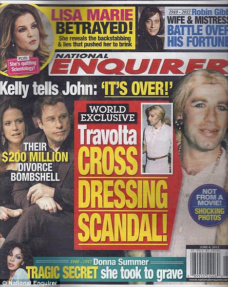 Таблоид опубликовал снимки брутального артиста в дамском платье. Фото сделаны на вечеринке в Лос-Анджелесе в 1997 году.