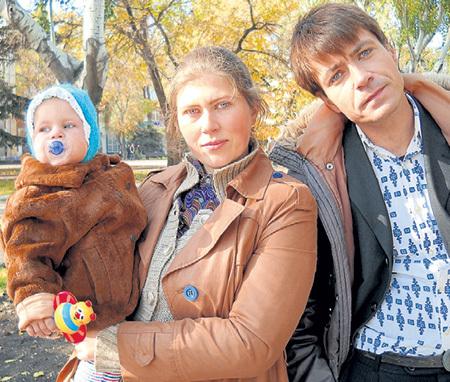 Сын ПОРУБЕЛЬ тоже снялся в «Серафиме…» (на фото с актёром Кириллом ГРЕБЕНЩИКОВЫМ)