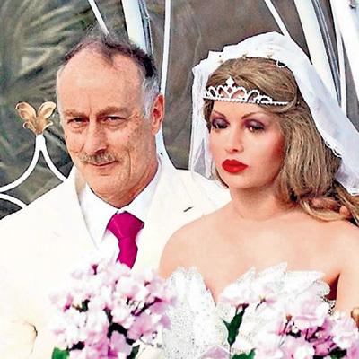 ...который женился на силиконовой секс-кукле