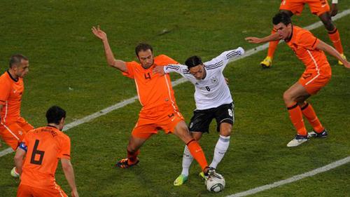 Германия вышла в четвертьфинал в матче с голландцами. Фото: «РИА Новости».