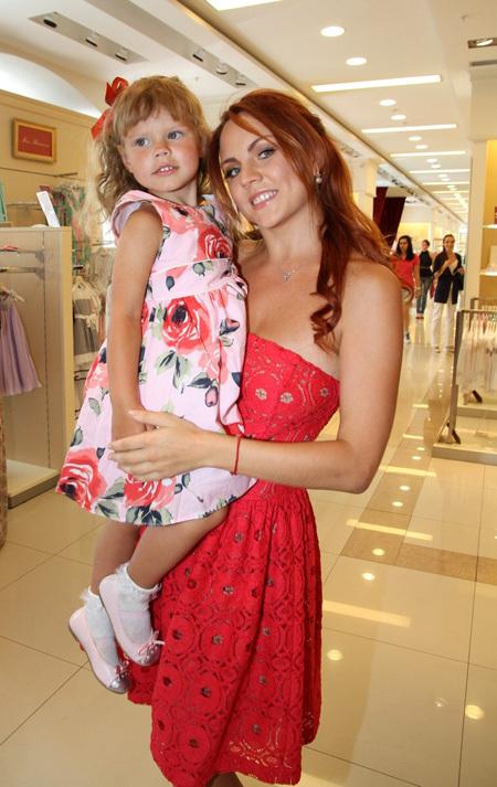 МАКSИМ с дочкой