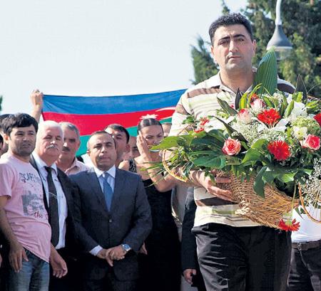Рамиль САФАРОВ: в Баку палача встретили как героя
