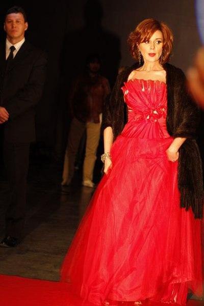 Анастасия ЗАВОРОТНЮК стала =рыжей бестией= (фото из Твиттера Анастасии ЗАВОРОТНЮК)
