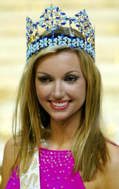 Розанна в короне «Мисс Мира» в 2003 году