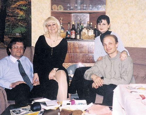 После окончания МГУ правнучка генсека Галина вышла замуж за Олега ДУБИНСКОГО