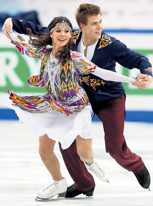 Елена и Никита исполняют польку на узбекский мотив. Фото: © Reuters