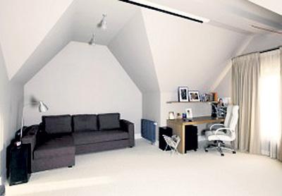 Одна из комнат квартиры Игоря ВЕРНИКА. Дизайн Альбины НАЗИМОВОЙ-ЛИСТЬЕВОЙ