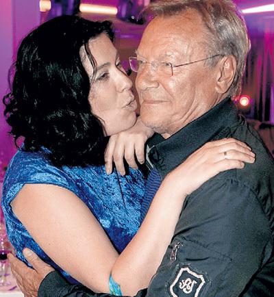 Несмотря на то что Катя на 40 лет моложе Сергея ШАКУРОВА, в муже она души не чает
