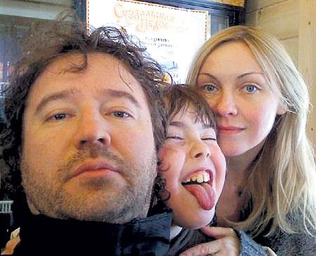 С мужем Александром и сыном Максимом. Фото: odnoklassniki.ru