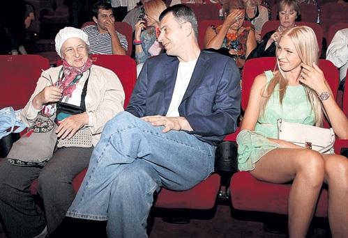 Михаилу ПРОХОРОВУ уже 48 лет, и у него есть всё, кроме жены