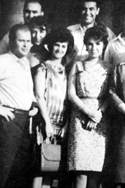 Первая жена Михаила Маньевича Лариса КУЛИК (слева) сама подала на развод. На фото она - с лучшей подругой Татьяной ИЛЬЧЕНКО