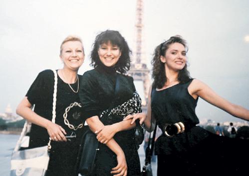 Актрисы ДРОЖЖИНА, АЛЕКСЕЕВА и ДРОЗДОВА весь август 1991-го провели на съёмках в Париже