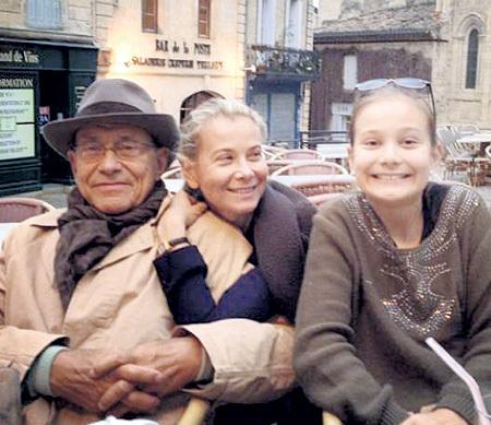Счастливы вместе: Андрей КОНЧАЛОВСКИЙ, Юлия ВЫСОЦКАЯ и Машенька за несколько дней до трагедии