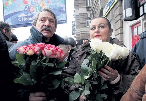 Праправнучка Галина БРЕЖНЕВА пришла с приемным сыном дочери генсека Александром МИЛАЕВЫМ