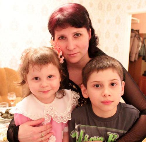 Анютка, Миша и мама Ирина КОЧОЯН
