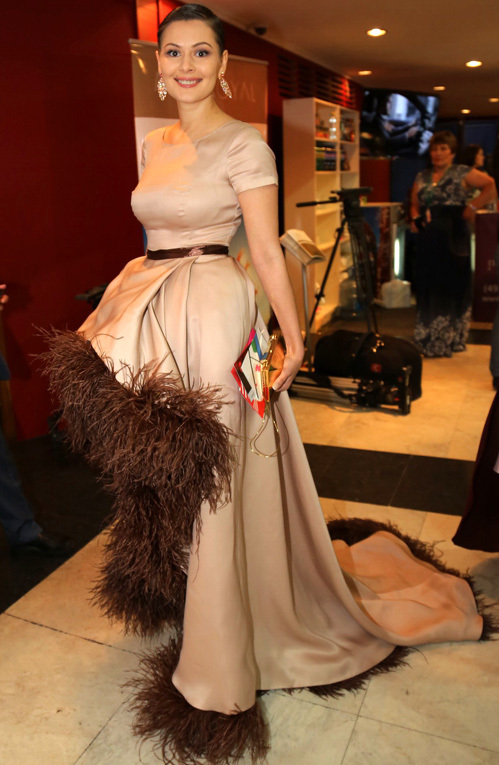 Фото в платье марии кожевниковой