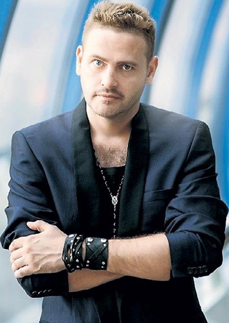 Антон МИНЯЕВ мечтает наладить отношения с известной сестрой