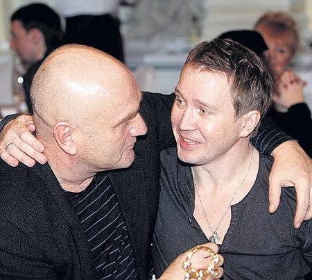 С Женей МИРОНОВЫМ Александр дружит еще с середины 90-х - со времени съемок в фильме «Мусульманин»