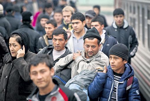 Дома гастарбайтеров никто, кроме голодных детей, не ждёт, поэтому они скоро вернутся в Россию и будут бороться за рабочие места с утроенной силой. Фото: РИА «Новости»