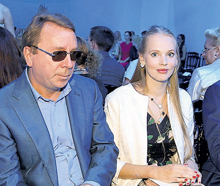 ...оказались хедлайнерами на свадьбе Олеси и Владимира