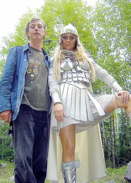 На съёмках фильма «Лесная царевна» с актрисой Анастасией САВОСИНОЙ (2004 г.)