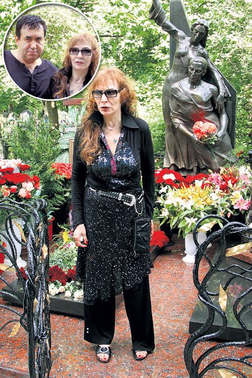 На могилу сына Вахтанга безутешная мать приходила каждый день