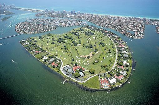 На острове Индиан Крик ничего лишнего: только виллы, бассейны и гольф-поля