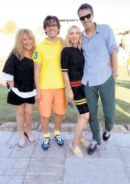 Алла ПУГАЧЕВА с мужем Максимом ГАЛКИНЫМ, дочерью Кристиной и зятем Михаилом ЗЕМЦОВЫМ (фото: Instagram.com)