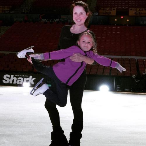Ирина СЛУЦКАЯ с дочкой Варей. (Фото INSTAGRAM)