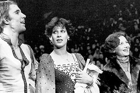 Хореографа МАТВЕЕВУ (справа), пережившую вместе с ними взлёты и падения, Ирина МОИСЕЕВА и Андрей МИНЕНКОВ ласково называли «добрым гением»