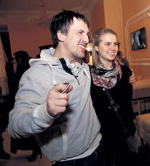 Артур СМОЛЬЯНИНОВ и Дарья МЕЛЬНИКОВА (Фото: РИА «Новости»)
