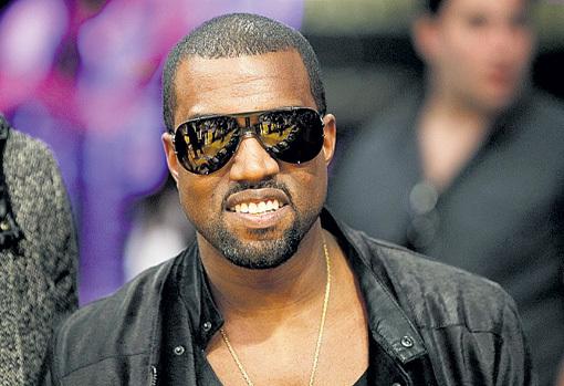 Канье УЭСТУ не простили его заявления на «MTV Music Awards», что он хочет стать президентом США, и выдвинули его в претенденты на премию «NME Awards» в номинации «Злодей года»